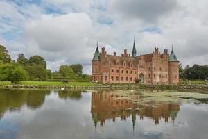 Schloss Egeskov im Süden der Insel Fünen in Dänemark foto