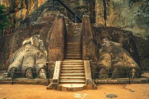 Fassade der Löwentatze von Sigiriya in Sri Lanka foto