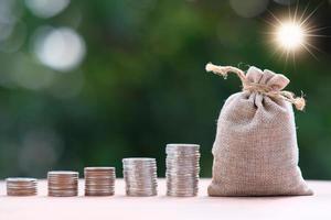 Geld sparen Konzept, Konzept des Finanz- und Investitionswachstums, Geschäftsfinanzierung und Geld sparen Konzept foto