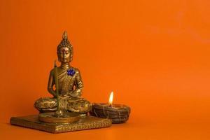 Buddha- und Kerzenhandwerk candle foto