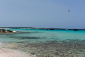 Strand von Ses Illetes auf Formentera, Balearen in Spanien. foto