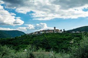 Dorf Torreorsina in der Provinz Valnerina von Terni foto