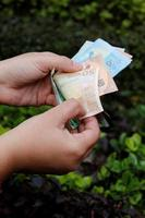 Fotografie für Wirtschafts- und Finanzthemen mit europäischem Geld foto