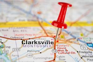 bangkok, thailand, 1. juni 2020 clarksville, montgomery county, tennessee, straßenkarte mit roter nadel, stadt in den vereinigten staaten von amerika usa. foto