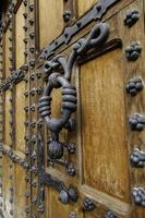 mittelalterliche Holztür foto