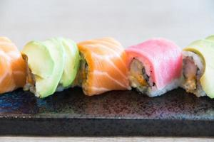Sushi japanisches Essen foto