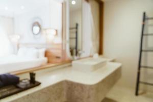 abstraktes Unschärfe-Luxus-Badezimmer für den Hintergrund foto