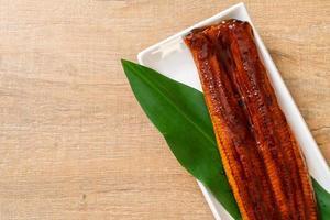 gegrillter Aal oder gegrillter Unagi mit Sauce - Kabayaki - japanisches Essen foto