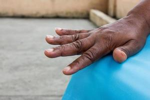 Details der Hand einer alten Person foto