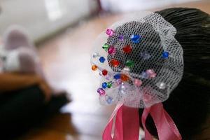 Details einer kleinen Balletttänzerin foto