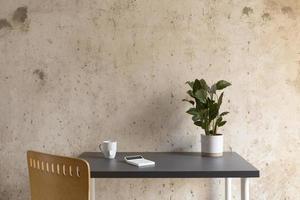 das minimalistische Heimarbeitstisch-Design foto