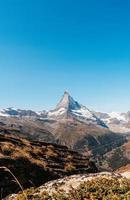 wunderschöne berglandschaft mit blick auf den matterhorngipfel in zermatt, schweiz. foto