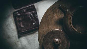 handgefertigte Teekanne und Deckel aus Yixing-Ton foto