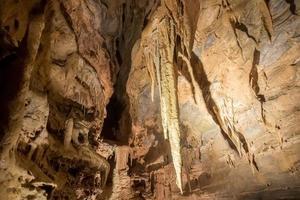 unterirdische Höhle in verbotenen Höhlen in der Nähe von Sevierville Tennessee foto