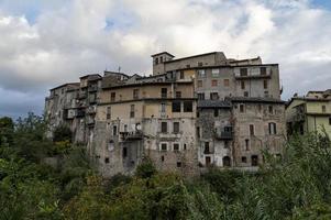 Gebäude in Papigno, Italien, 2020 foto