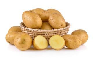 Kartoffel lokalisiert auf weißem Hintergrund foto