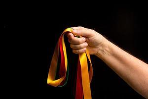 Farbpalette in der Hand einer Person foto