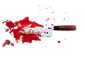 Küchenmesser blutig auf weißem Hintergrund foto