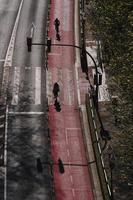 Radfahrer auf der Straße in der Stadt Bilbao, Spanien foto