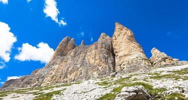 Wahrzeichen der Dolomiten - Tre Cime di Lavaredo foto