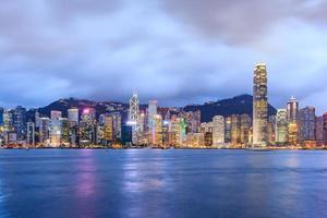 Hong Kong, 20. Juli 2013 - Hong Kong Victoria Harbour bei Nacht foto