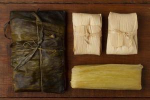 leckeres traditionelles Tamales-Lebensmittelsortiment foto