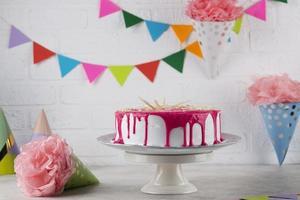 Geburtstagskuchen mit Kerzen foto