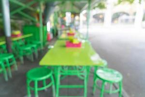 abstrakte Unschärfe im Straßenrestaurant für den Hintergrund foto
