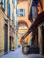 ruhige straße in bologna, italien foto