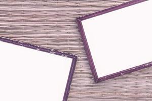 schwarzer Bilderrahmen aus Holz foto