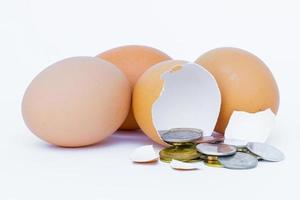 Eier mit Münzen drin foto