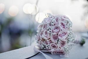 Hochzeitsblumen aus rosa Rosenblüten foto