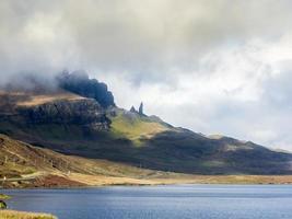 Landschaftsansicht der Quiraing Mountains, Schottland foto