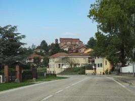 Blick auf die Stadt Pralormo foto