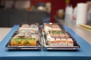Sushi Bestellarrangement Restaurantküche foto
