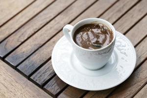 anatolisches traditionelles Getränk türkischer Kaffee foto