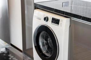 Nahaufnahme Waschmaschinen im Schlauch foto