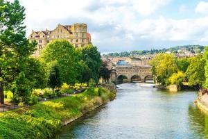 Blick auf die Pulteney Bridge River Avon in Bath, England? foto