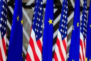 USA und EU Flaggen foto