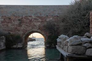 sa Sequi-Kanal auf der Insel Formentera im Sommer 2021 foto