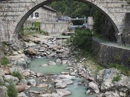 Römische Brücke in Pont Saint Martin foto