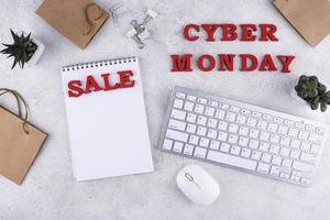 Flat Lay Cyber Monday Sortiment foto