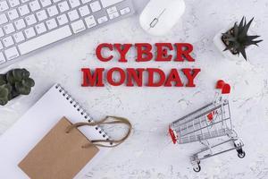 Draufsicht Cyber Monday Arrangement foto