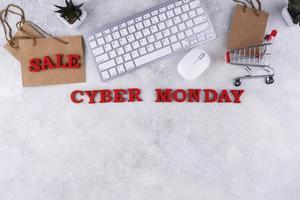Draufsicht Cyber Monday-Sortiment foto