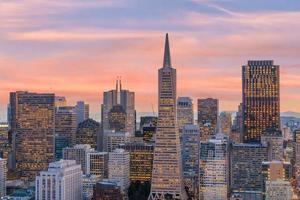 schöne Aussicht auf das Business Center in der Innenstadt von San Francisco? foto