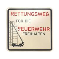 deutsches Zeichen hintrgrund isoliert weiß. Notweg für Feuerwehr foto