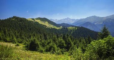 Truthahn, Rize, Pokut-Plateau, historische Plateauhäuser und Naturblick foto