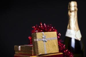 Weihnachten Geburtstag Valentinstag Champagner Geschenkbox Konzept foto