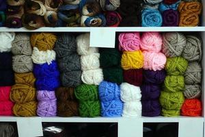 baumwolle buntes textilmaterial industriegeweberollen foto