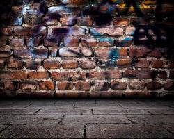 abstrakte Graffitiwand Raum Innenbühne foto